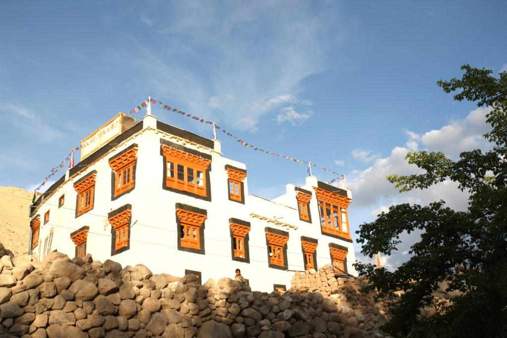 Joro Experiences Shakti Village House Exterior